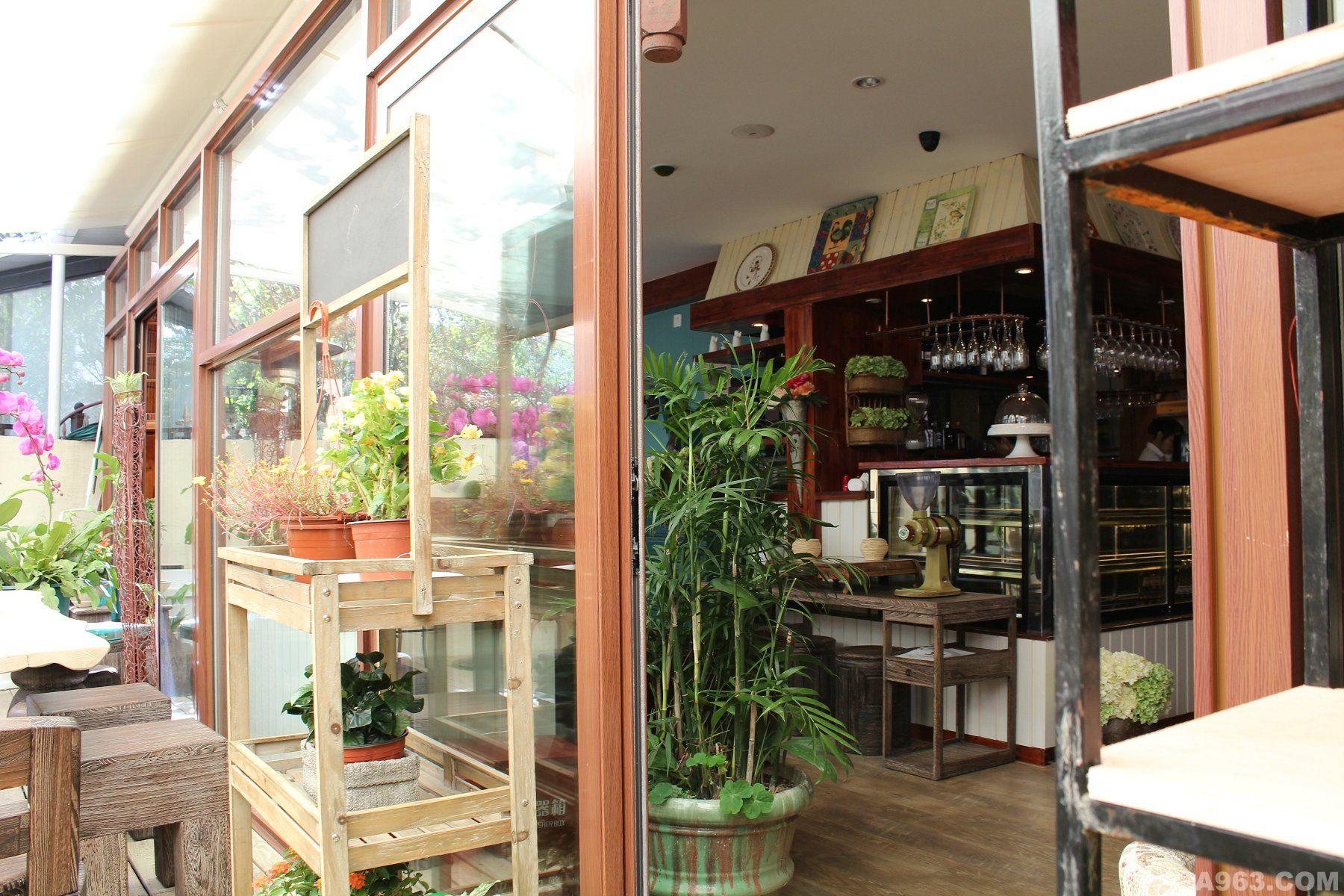 中华室内设计网 作品中心 公共空间 > 上海有果建筑装饰设计有限公司