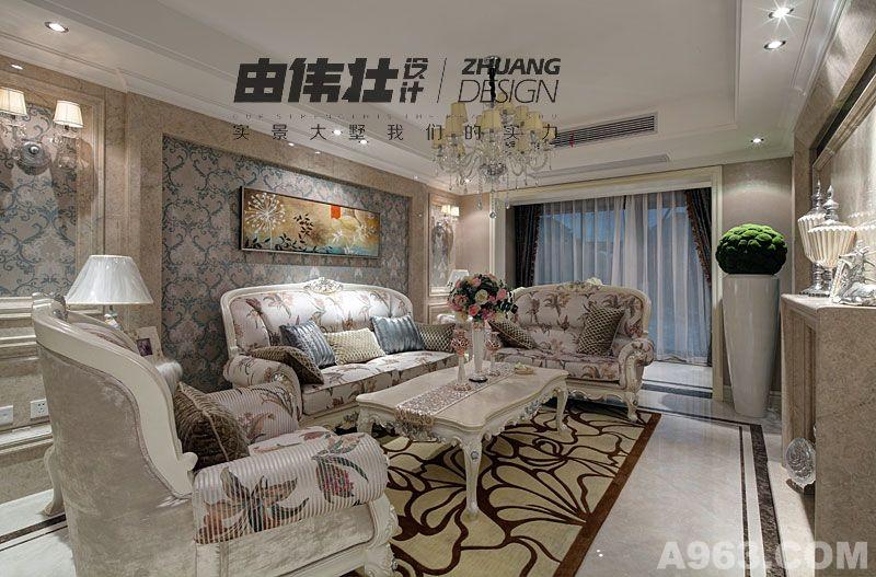 面积二十多平米的客厅装修模式